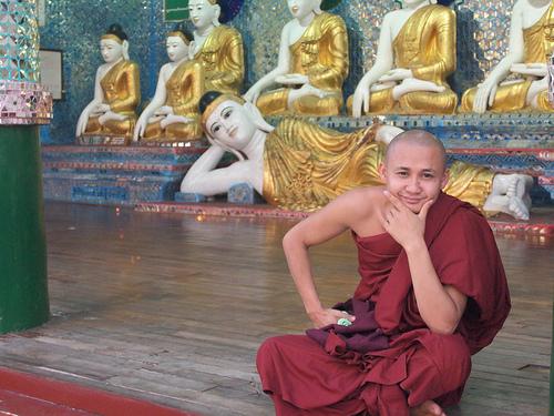 04_Shwedagon