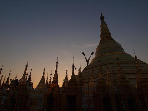 05_Shwedagon