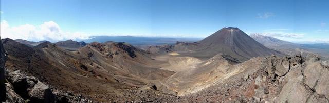 Parque Nacional Tongariro, Patrimonio de la Humanidad de la UNESCO, Conos y lava