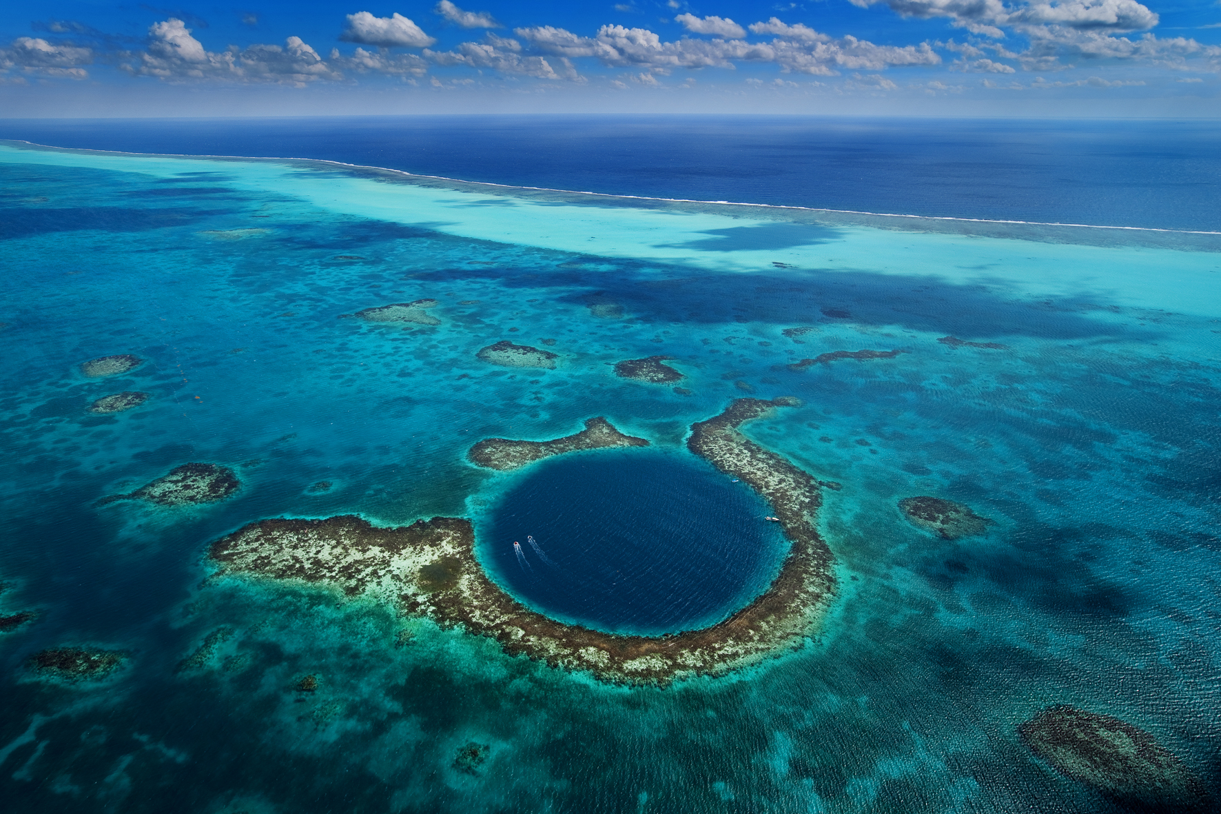 1.great-blue-hole-belize