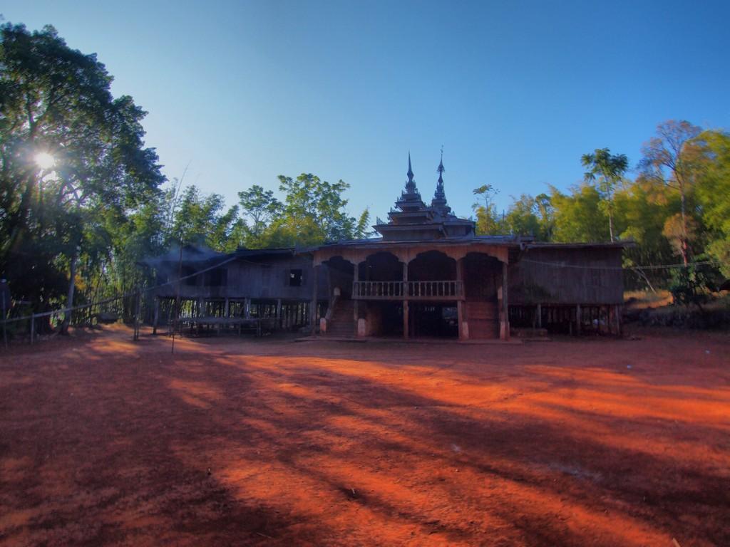 P2082538_39_40 HDR Myanmar trekking 3 dias de Kalaw a Inle Lake