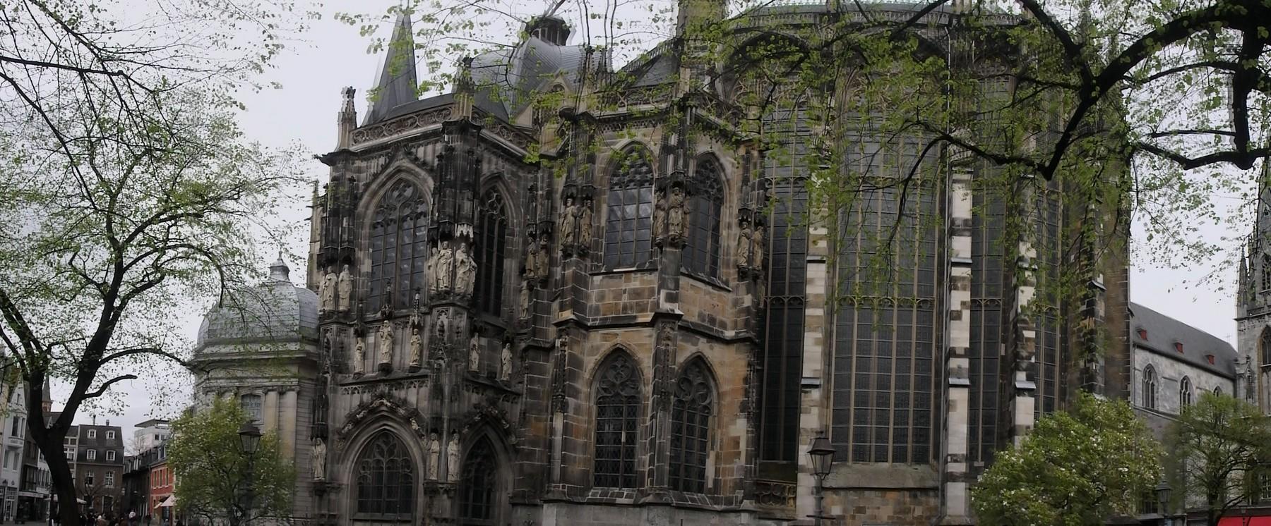 P4035166 Pano Catedral de Aquisgran