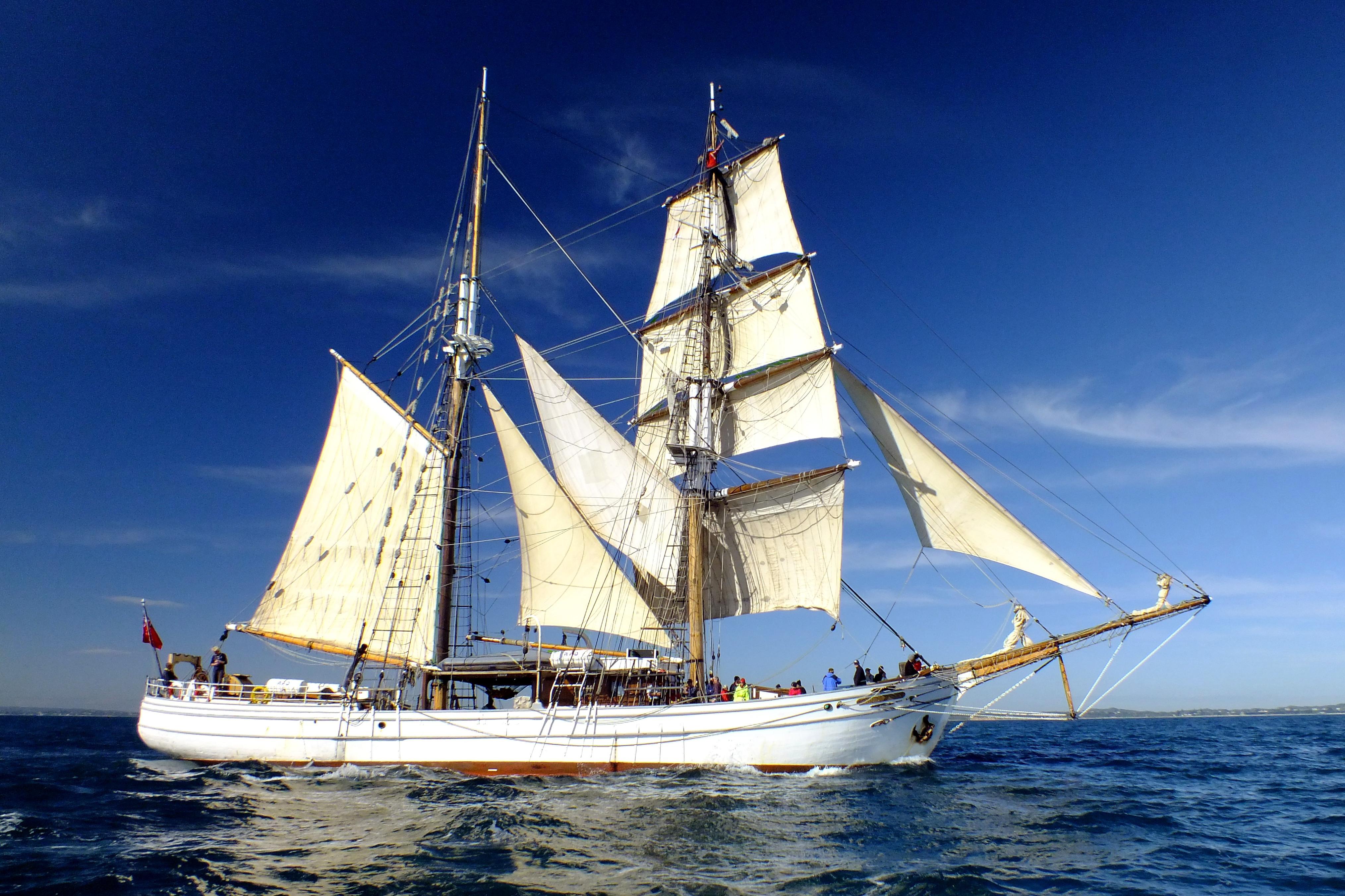 soren-larsen-sailing-ship-sydney